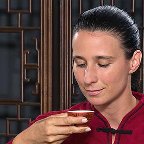 Buchcoverausschnitt: Mit Buddha Tee trinken